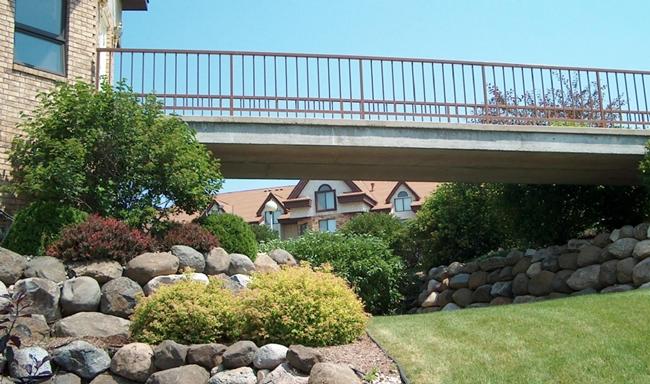 Westhaven walking Cool Bridge